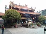Taipei - Longshan temple 2