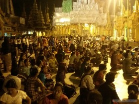 Yangon - Shwedagon pagoda at night 11