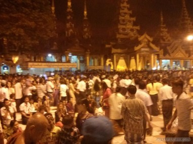 Yangon - Shwedagon pagoda at night 4