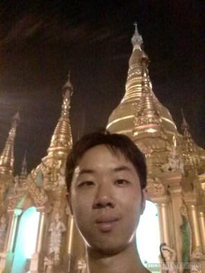 Yangon - Shwedagon pagoda at night 9