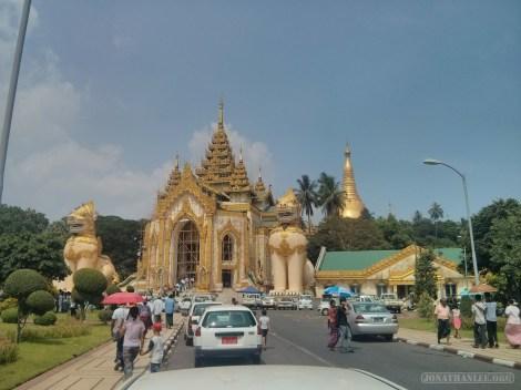 Yangon - Shwedagon pagoda west entrance