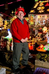 Home Christmas light show that takes 3 weeks to setup and draws weekly coach trip