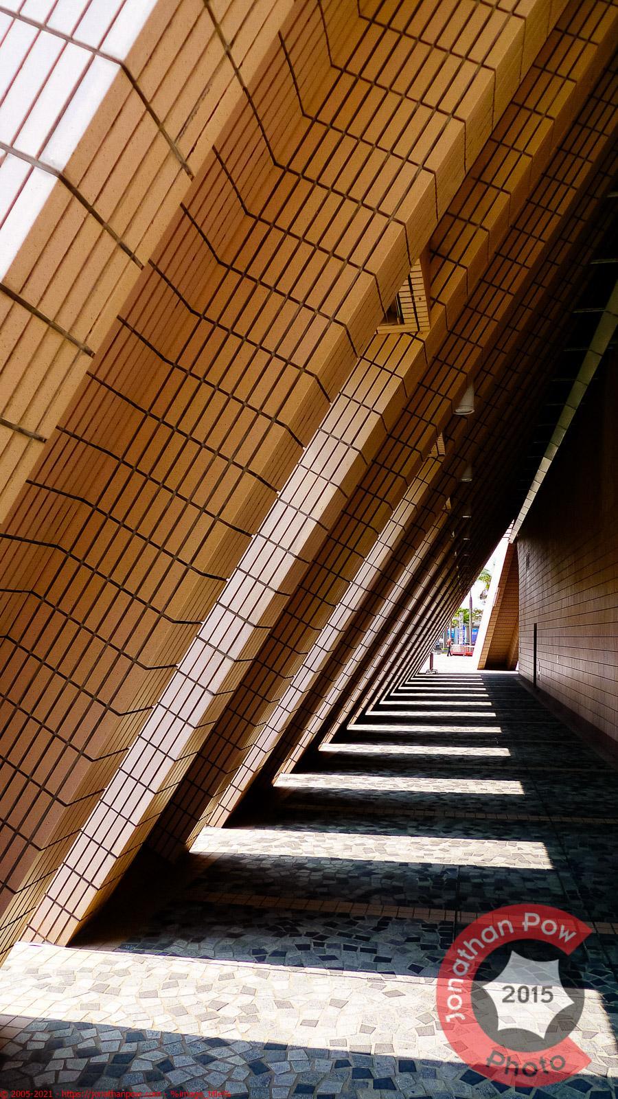 A tunnel of angles and light, Hong Kong
