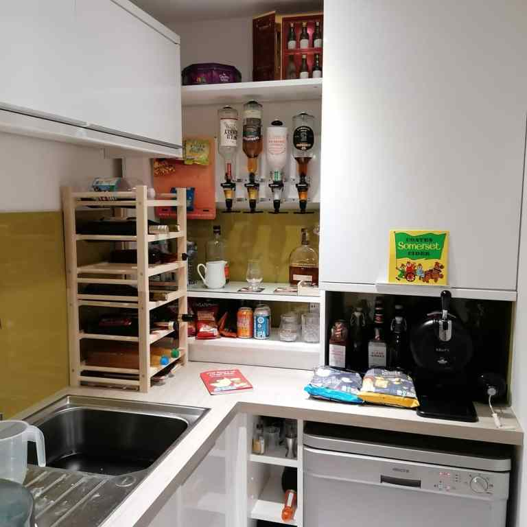 Read more about the article IKEA hack home bar