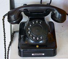 220px-Alt_Telefon