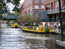 220px-Bricktown_Canal_Water_Taxis_in_Oklahoma_City