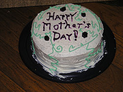 250px-Mothers'_Day_Cake