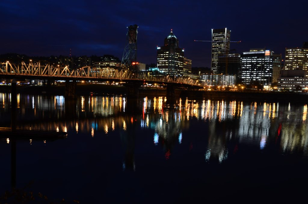 Hawthorne Bridge: Night Photography In Portland