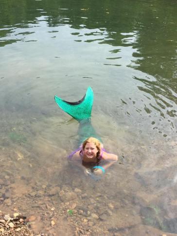 2017JUL4 mermaid in the pool