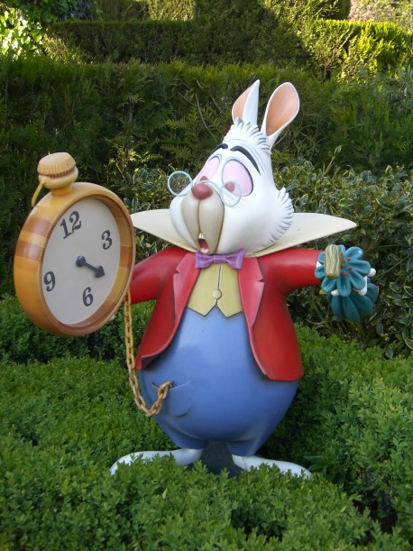 grass-clock-time-recreation-toy-rabbit-minute-disney-alice-in-wonderland-hurry-easter-easter-bunny-disneyland-inflatable-hours-on-time-time-management-stuffed-toy-rabits-and-hares-too-late-783521