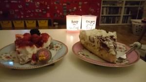 Gisteren op mijn kankerverjaardag die ik vergeten was alsnog taart gegeten 's avonds!