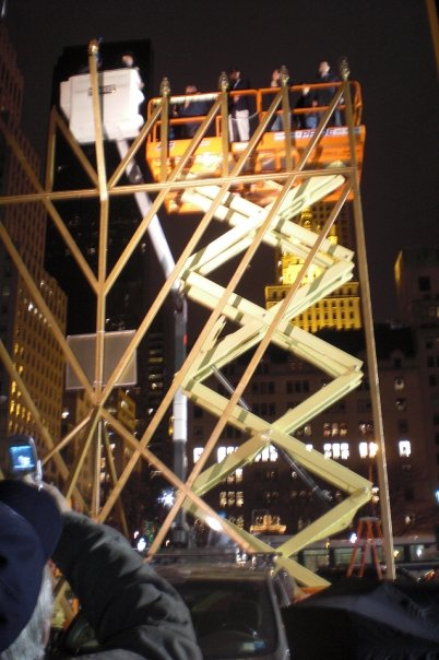 Jon-Harari-Worlds-Largest-Menorah