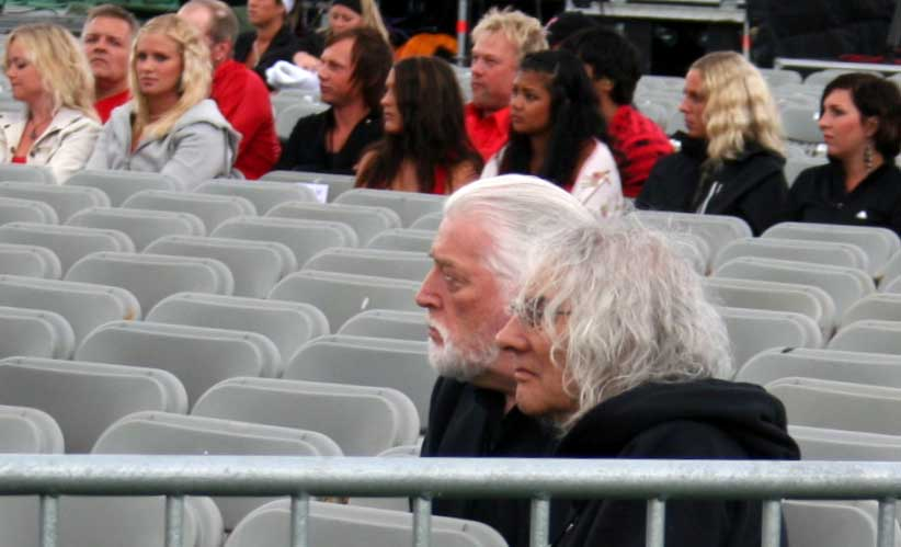 Jon Lord and Albert Lee watching the soundcheck