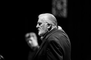 Jon Lord with conductor Torodd Wigum in the background