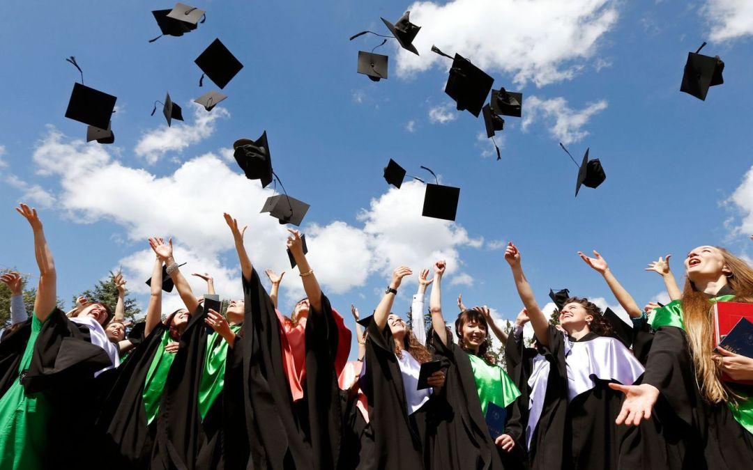 Vous avez été diplômés en 2016 ? Nous souhaitons vous récompenser !