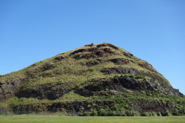 dsc07767-matukutureia-mclaughlins-mountain