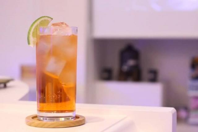 【レゲエパンチ】ピーチ味の飲みやすさは女性にも大人気|お家で作るカクテルレシピ