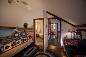 Lancaster County Commercial Photographer Osceola Mill House Bed & Breakfast_9