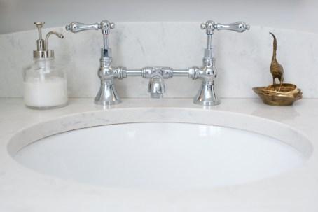 Commercial Interior Bathroom Photographer Jordan Bush Photography_Gingrich5