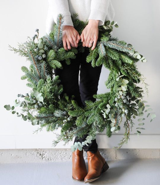 december mood wreath