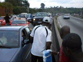 4.- Mobile street vendors on the job.