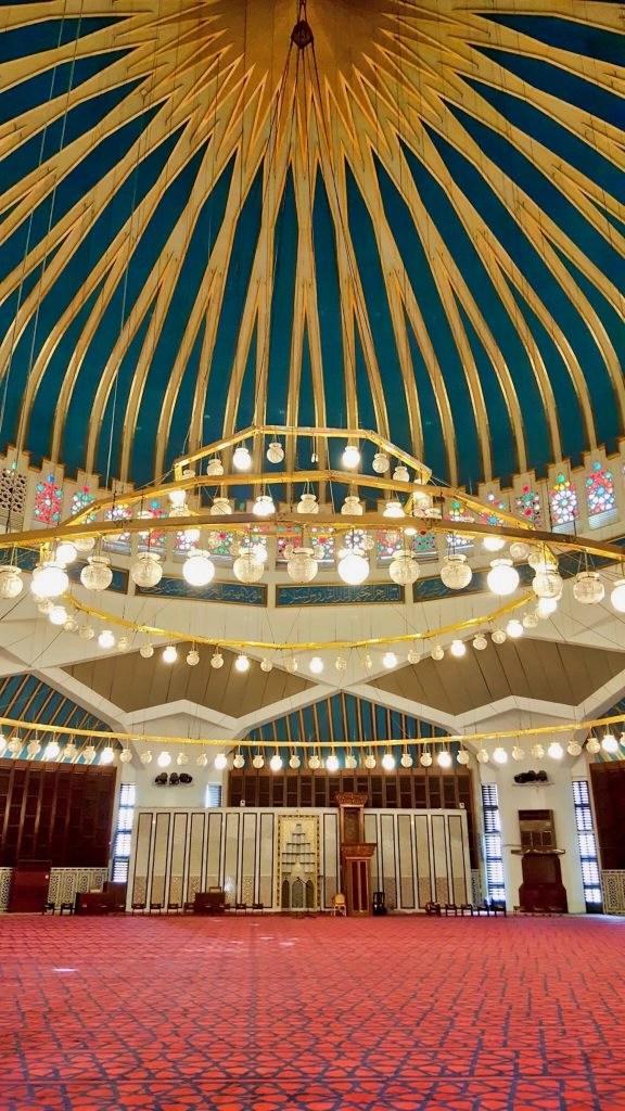 10 Days in Jordan - Inside Mosque