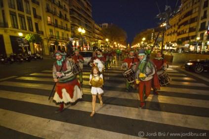 La Júlia, arcàngel Sant Miquel del Ball de Diables de Tarragona, obre la comitiva d'aquest Ball