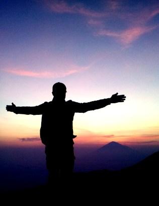 Sunrise dari sekitaran bukit Kawah Papandayan