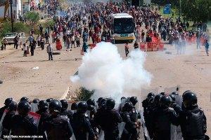 Los escándalos de EPN y la CNTE