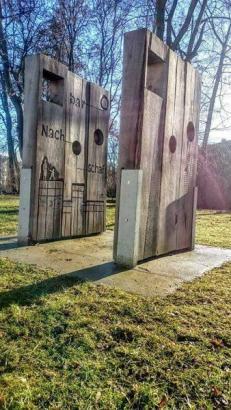 """Installation, """"Denk-Mal! für Demokratie, Nachbarschaft und Integration"""" Leipzig"""