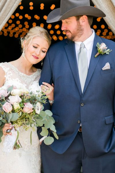 Rustic chic Lubbock wedding. Texas florist, Jessica Ormond Events. Photo by Allee J Photography.