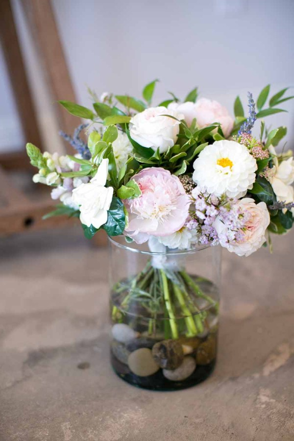 Fall garden style bridal bouquet of peonies, garden roses, snap dragons, dahlias, and lavender designed by Lubbock wedding florist and planner Jessica Ormond Events. Linda McMillan Photography.