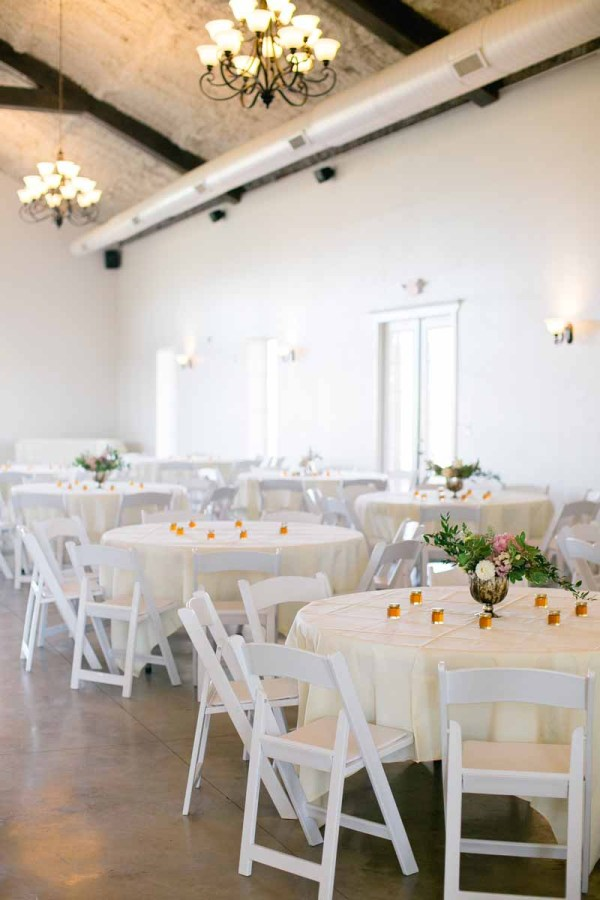 Fall wedding reception at Autumn Oaks Event Center. Lubbock wedding florist Jessica Ormond Events. Linda McMillan Photography.