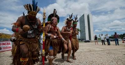 Protesto em Brasília durante o dia do índio (2016) - Foto: Marcelo Camargo/Agência Brasil