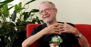Jean-Claude Bernardet ganha livro em comemoração aos seus 80 anos