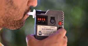Teste do bafômetro não é obrigatório, mas pode gerar multa