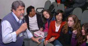 Colunista comenta a aprovação do projeto Dr. Bartô