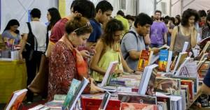 Festa do Livro da USP traz 171 editoras para a Cidade Universitária