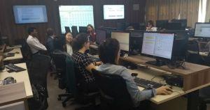A partir de dados reais, alunos montam e gerenciam empresa