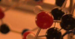 Simulação descreve nova maneira dos elementos formarem moléculas