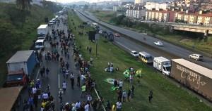 Medidas Provisórias tomadas na greve dos caminhoneiros viram lei