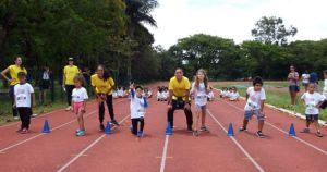 Voltinha da USP estimula prática de esportes para crianças