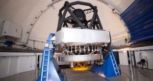 Câmera é preparada para iniciar mapeamento tridimensional do universo