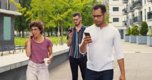 Pesquisa busca voluntários para estudo sobre saúde mental e uso do celular