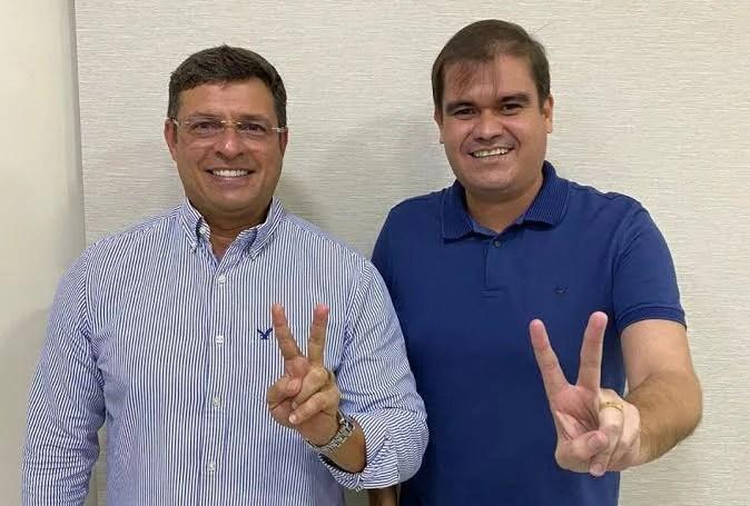 Confirmado: Vitor Hugo desiste de disputar uma cadeira na ALPB e abre espaço Mersinho Lucena em 2022; prefeito cabedelense afirma que deseja disputar a majoritária