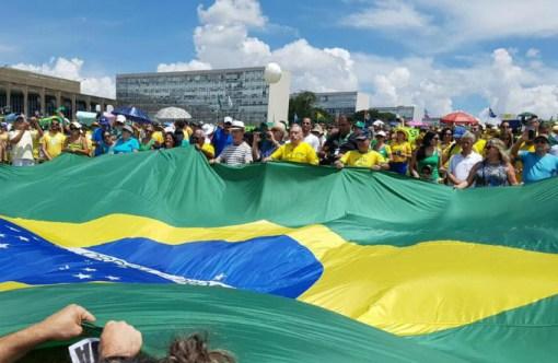Manifestantes em Brasília: protesto reuniu cerca de 500 pessoas (Vem pra Rua/Facebook/Divulgação)