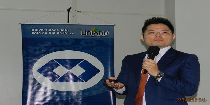 André Jun dá dicas de como publicar com qualidade, escreve Edison Porto