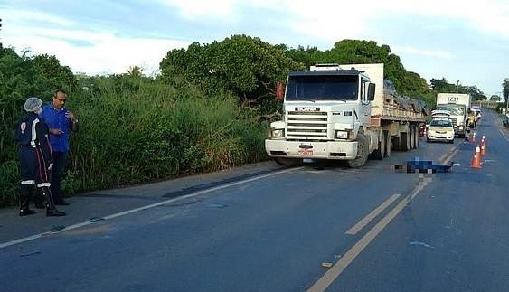 Caminhoneiro morre atropelado pelo próprio caminhão após falha mecânica