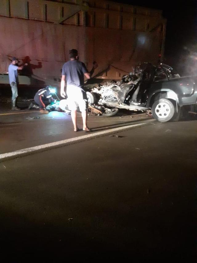 5 pessoas morrem após colisão com carreta canavieira que entrava em rodovia em SP