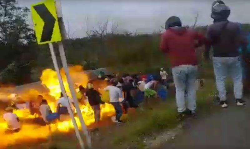 Caminhão-tanque explode enquanto populares saqueavam carga | 7 mortos e 46 feridos